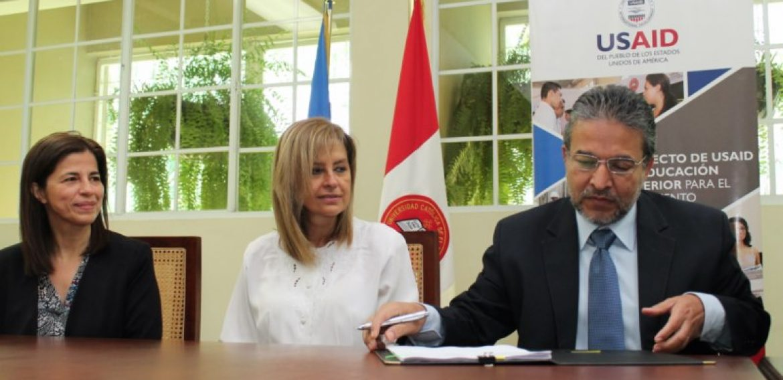 UNICAES Y USAID CELEBRAN EL INICIO DE DOS PROYECTOS DE INVESTIGACIÓN