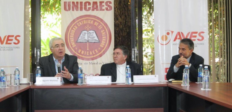 UNICAES Y AVES CONTRIBUYEN A LA NUTRICIÓN INFANTIL EN EL SALVADOR
