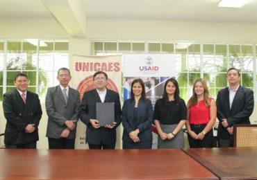 UNICAES Y USAID UNEN ESFUERZOS PARA FORTALECER CAPACIDADES HUMANAS E INSTITUCIONALES