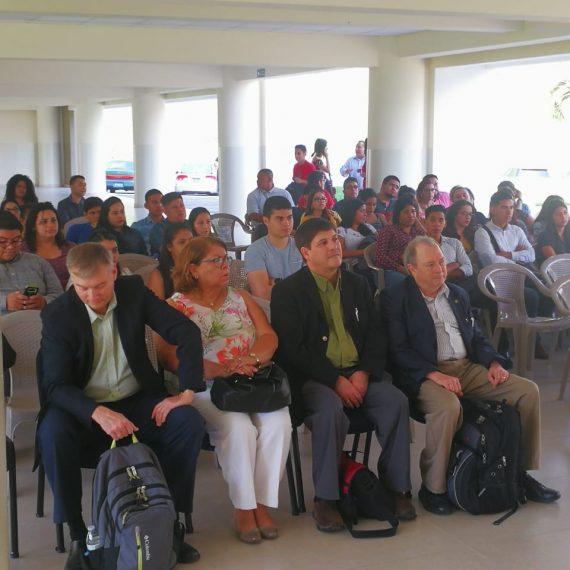 PROFESORES DE EEUU FACILITAN OPORTUNIDAD DE INTERCAMBIO ACADÉMICO CON UNICAES