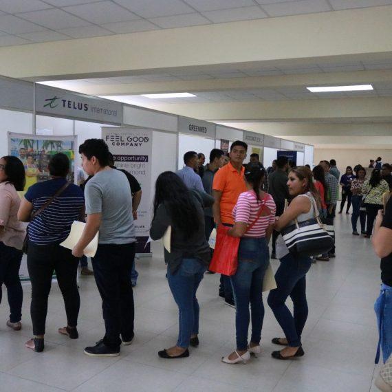 OPORTUNIDAD Y EMPRENDIMIENTO: RESULTADOS II FERIA DE EMPLEO UNICAES