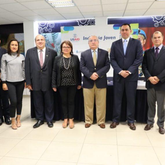 UNICAES participa en convocatoria para jóvenes emprendedores industriales