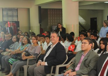 UNICAES, sede del conocimiento financiero en el occidente del país